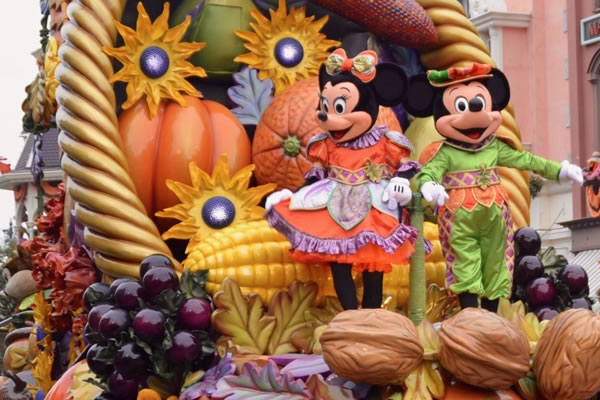 Save The Dates: All-New Spooky Halloween & Merry Christmas Seasons Announced at Disneyland® Resort Paris