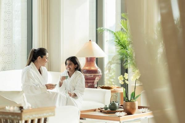 Family Spa Bonding ©Four Seasons Hotel Bahrain Bay