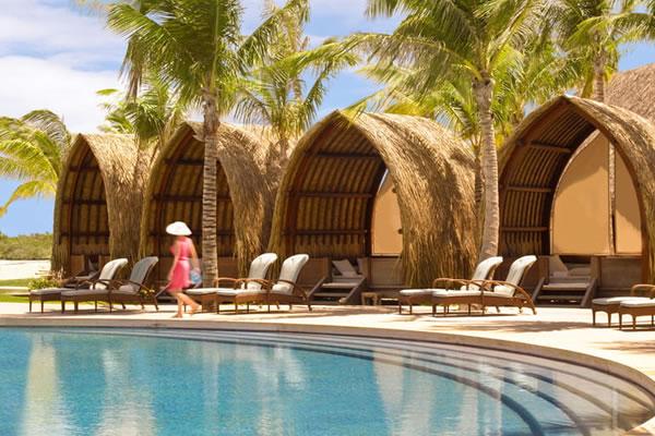 Tropical Cabanas ©Four Seasons Resort Bora Bora