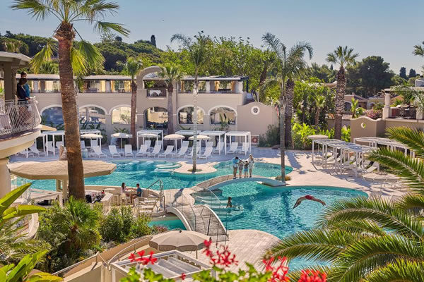 Pool Oasis ©Forte Village Resort
