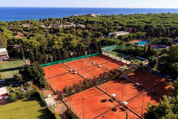 Tennis Courts ©Forte Village Resort