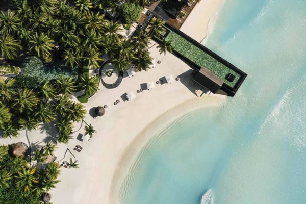 Aerial of Family Pool ©One&Only Reethi Rah, Maldives