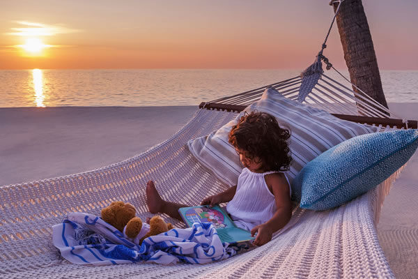 Girl on the Beach ©One&Only Reethi Rah, Maldives