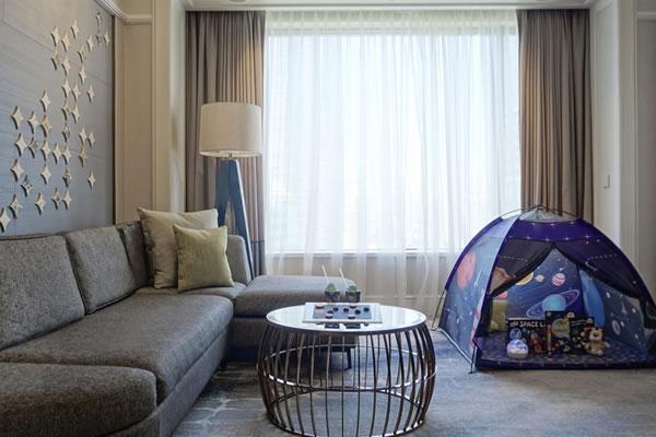 Galactic Family Adventure ©Four Seasons Hotel Singapore