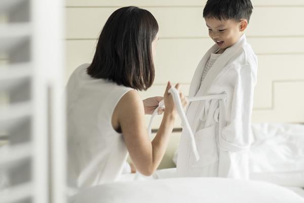 Children's Bathrobe ©Four Seasons Hotel Singapore