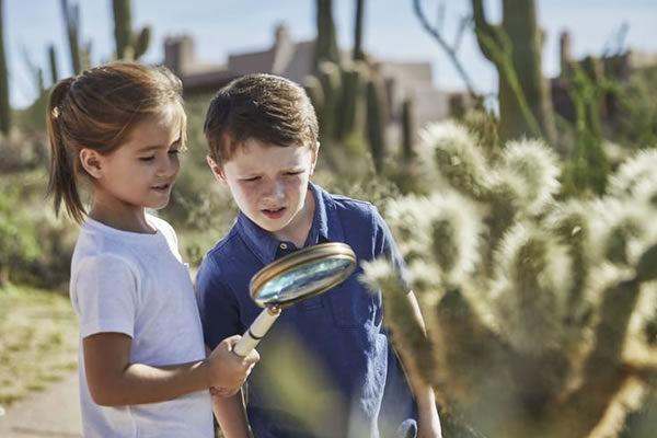 Kids Explore the Sonoran Desert ©Four Seasons Resort Scottsdale at Troon North