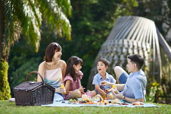 Picnic Family Playcation ©Shangri-La Hotel, Singapore
