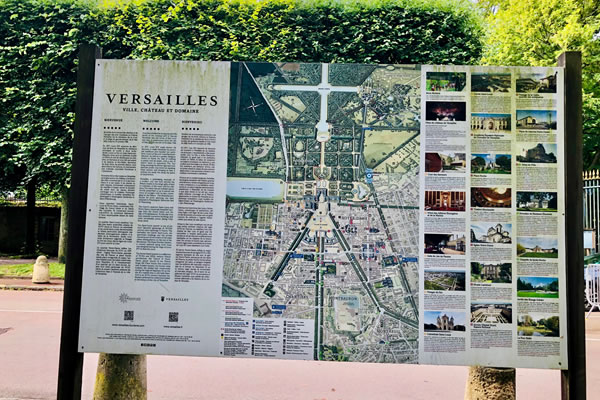 Sign of the domain of the Palace of Versailles ©Ilonka Molijn