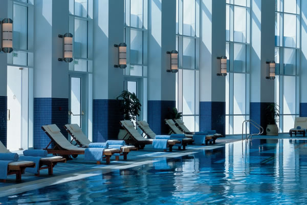Indoor Junior Olympic swimming pool ©The Ritz-Carlton, Doha