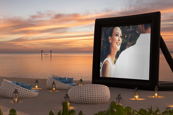 Outdoor Cinema Experience ©Anantara Dhigu Maldives