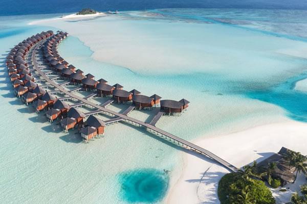 Overwater Villas Aerial ©Anantara Dhigu Maldives