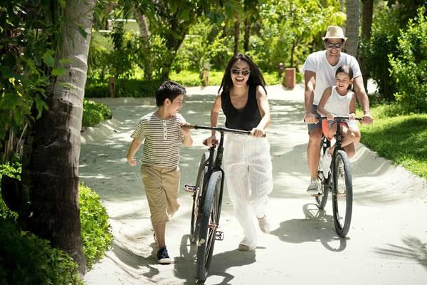Resort Bikes ©Anantara Dhigu Maldives