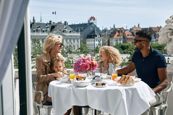 Family Breakfast with a View ©Hotel D'Angleterre Copenhagen