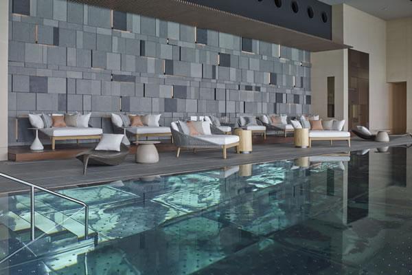 Indoor Heated 20-metre Pool ©Four Seasons Hotel Tokyo at Otemachi