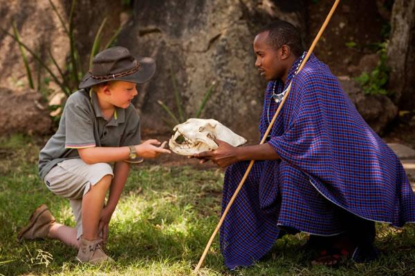 Maasai Guide at Kids Club Kijana ©Four Seasons Safari Lodge Serengeti