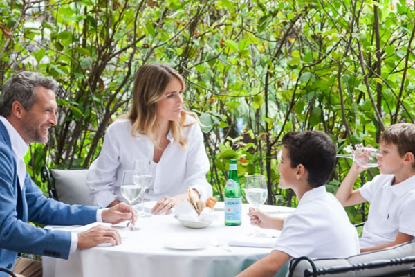 Lunch with Family ©Rosewood Villa Magna